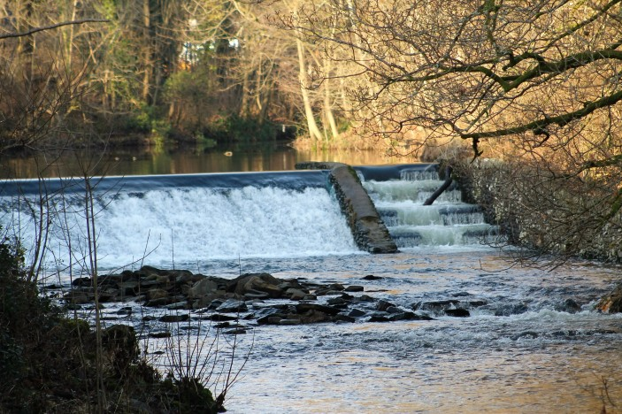 weir in staveley