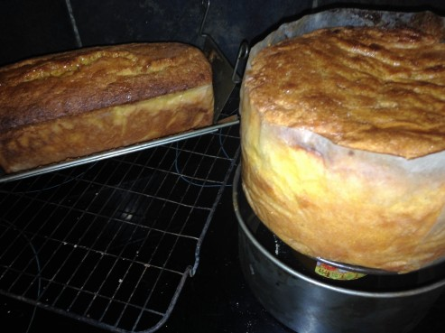 cakes cooling